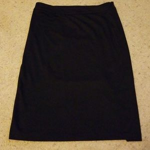 Simple but pretty black knit skirt